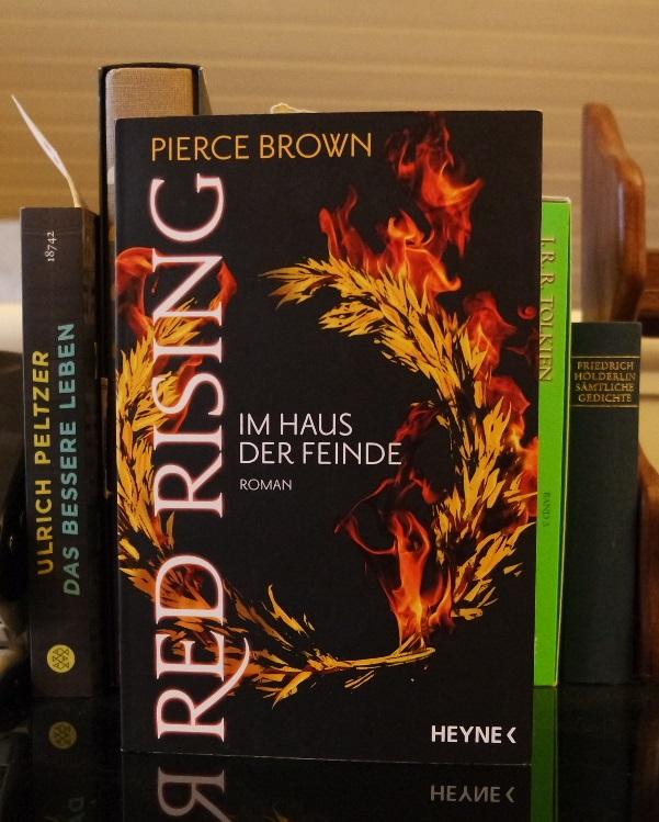 """Pierce Brown: """"Red Rising: Im Haus der Feinde"""" - Jahr des Taschenbuchs 2016"""